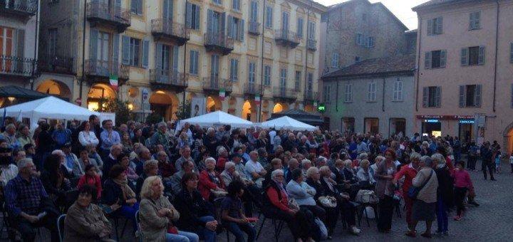 In piazza del duomo per Maurizio Marello e Sergio Chiamparino