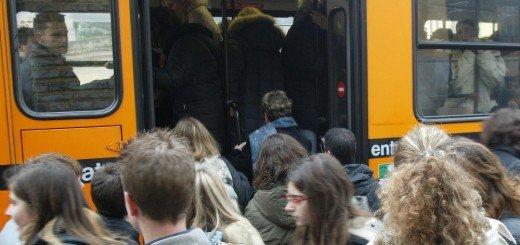 Una nuova linea bus per gli studenti della Scuola Media Statale Macrino